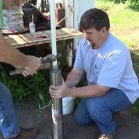 Монтаж насоса и автоматики для скважины