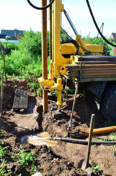 Бурение водяных скважин для частного, коллективного или промышленного использовани